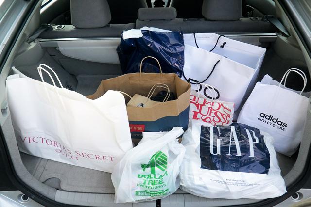 Lojas Oakley em Orlando e Miami. Onde comprar óculos e roupas. e2e7968e596