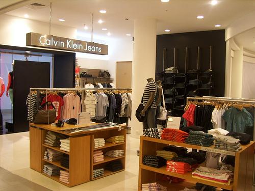 b5b32e063 Lojas Calvin Klein em Orlando e Miami
