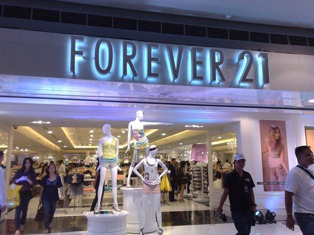 945a8bcd8 Loja Forever 21 em Orlando e Miami